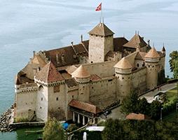 Castillo de Chillon en el lago Leman